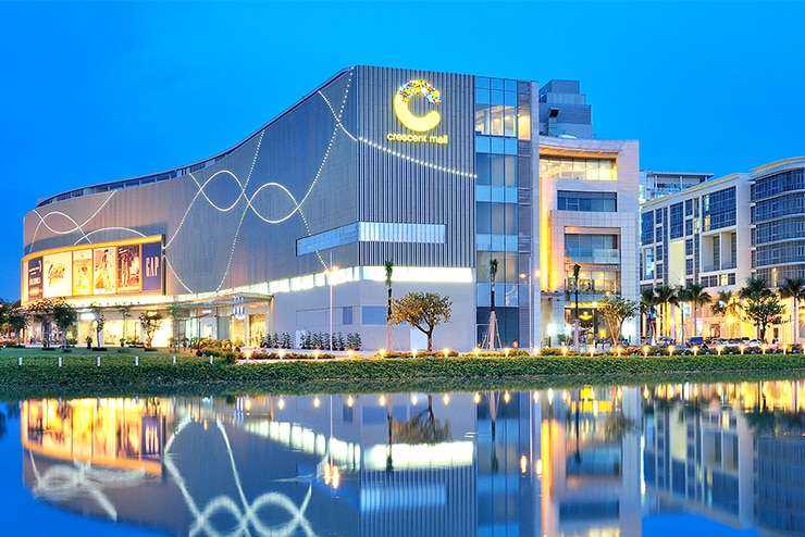 Crescent Mall - District 7