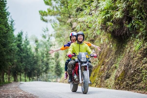 travel by motorbikes