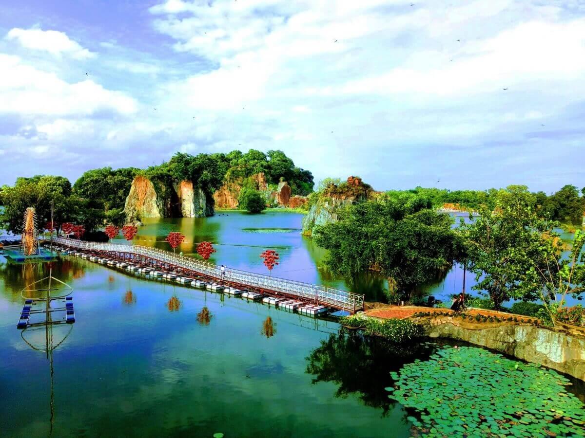 Buu Long tourist area