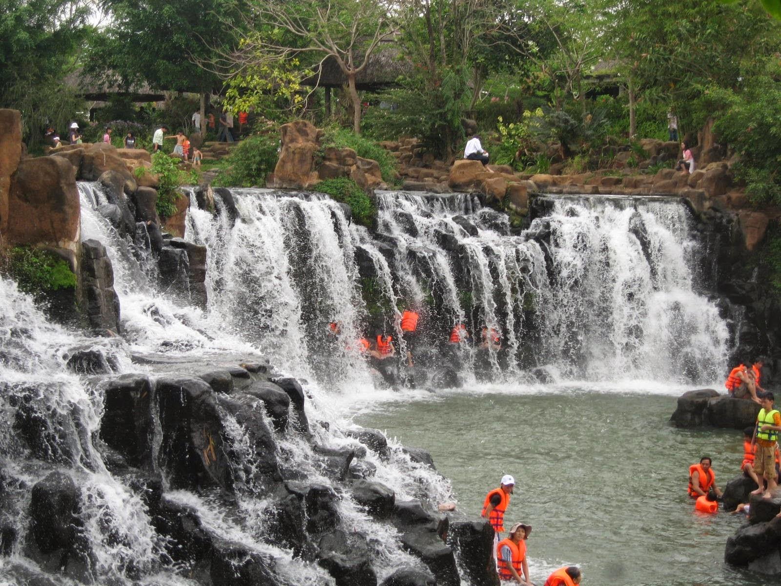 Giang Diem Waterfall