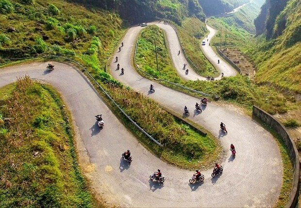 Riding a motorbike to Ha Giang