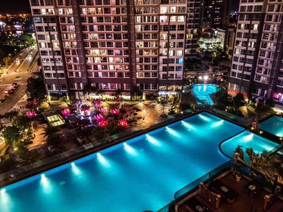 Landmark pool