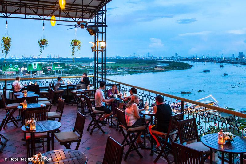 Breeze Sky Bar Rooftop